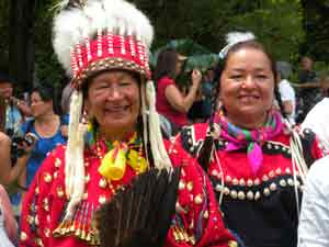 First Nations women from Canada at Waimea Bay Powwow
